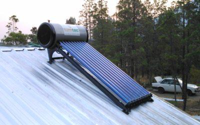 Instalación de termotanque solar Heat Pipe Lago Puelo