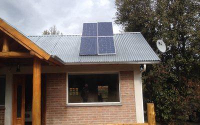 Paneles solares conectado a red eléctrica Villa Turismo