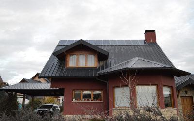Instalación de paneles solares con conexión a red