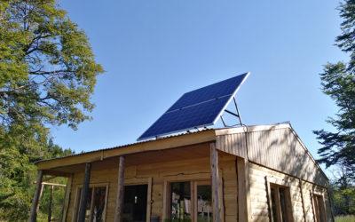 Instalación de generador solar off grid en Mallin Ahogado, El Bolsón
