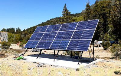 Instalación de sistema solar fotovoltaico sin acceso a la red eléctrica