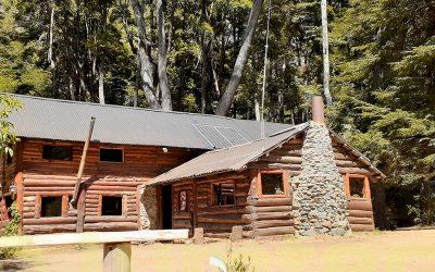 Instalación de sistema solar fotovoltaico en refugio de montaña